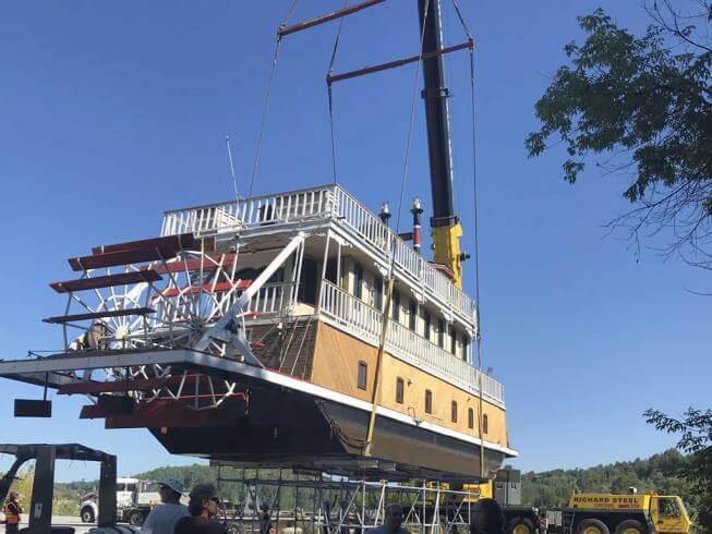 Levage d'un bateau / Outaouais