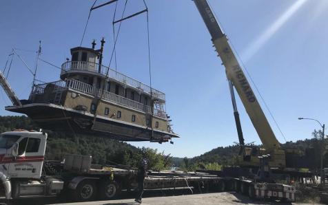 Boat lifting
